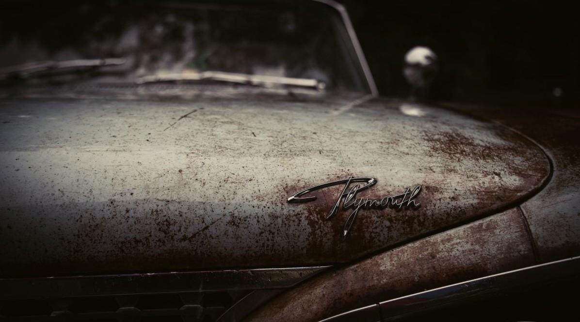¡No compres carros dañados por inundación!